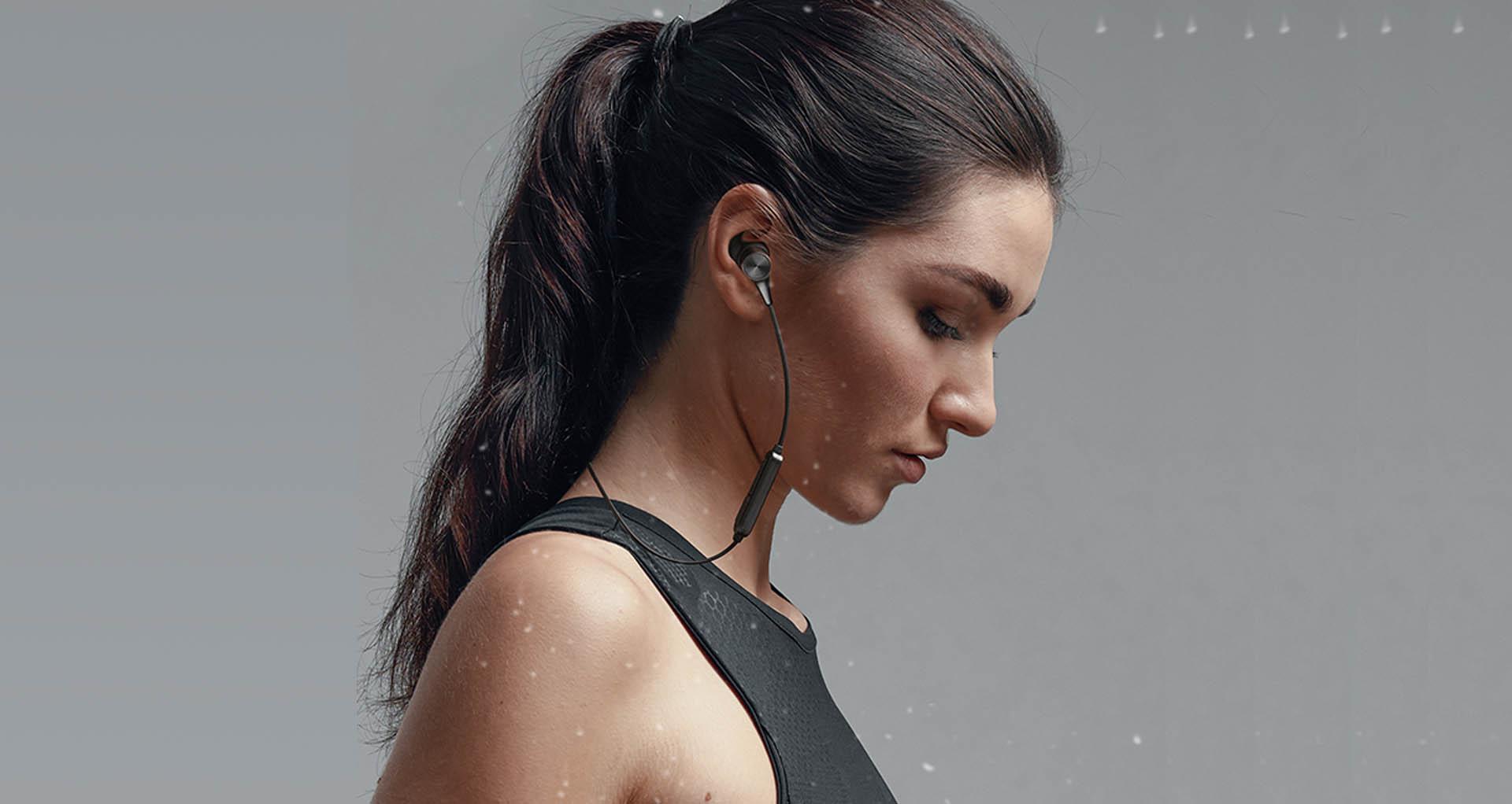tai nghe Soundpeats Q12 HD với thiết kế vây chữ C