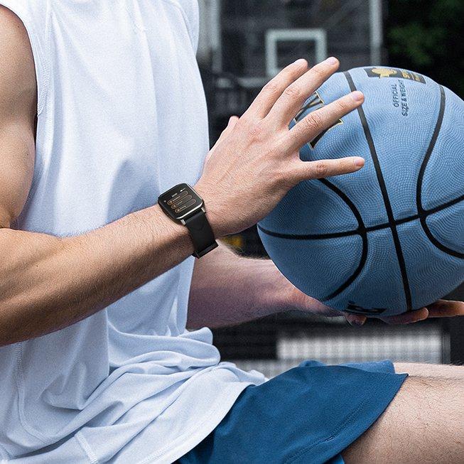 Đồng hồ Watch 1 có khả năng chống nước chuẩn IP68